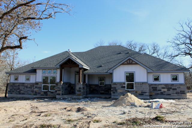 185 Cibolo Ridge Dr., La Vernia, TX 78121 (MLS #1354419) :: Vivid Realty