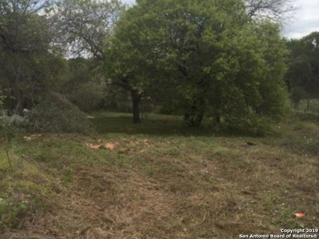 4327 Red Top Hill, Elmendorf, TX 78112 (MLS #1355909) :: NewHomePrograms.com LLC