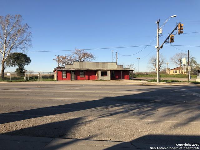 9555 N State Highway 16, Poteet, TX 78065 (MLS #1356683) :: NewHomePrograms.com LLC