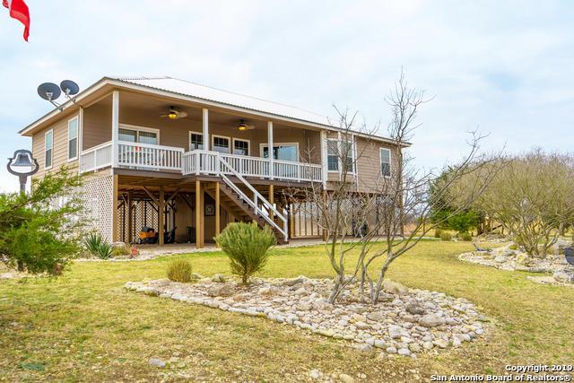 1090 Enchanted River Dr, Bandera, TX 78003 (MLS #1357833) :: Erin Caraway Group