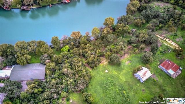 515 E Zipp Rd, New Braunfels, TX 78130 (MLS #1358350) :: Alexis Weigand Real Estate Group
