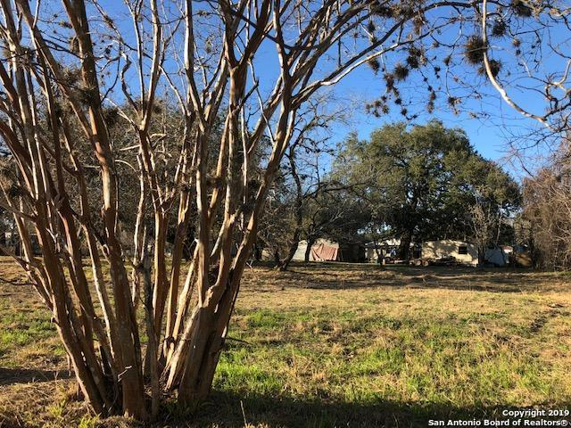 000 Sanchez Ave, Pleasanton, TX 78064 (#1358971) :: The Perry Henderson Group at Berkshire Hathaway Texas Realty
