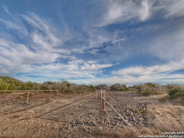 N Us Highway 377 E, Rocksprings, TX 78880 (MLS #1365336) :: Exquisite Properties, LLC