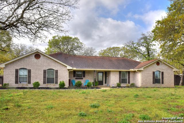 318 Rosewood Dr, La Vernia, TX 78121 (MLS #1368288) :: Alexis Weigand Real Estate Group