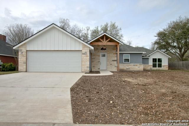 230 Club View W, Seguin, TX 78155 (MLS #1370599) :: Alexis Weigand Real Estate Group