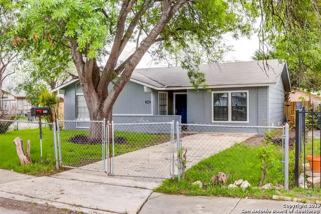 1802 Hermine Blvd, San Antonio, TX 78201 (MLS #1370632) :: Alexis Weigand Real Estate Group