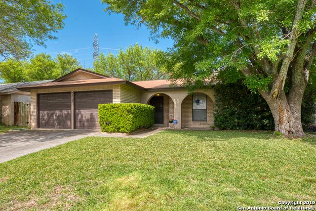 3827 Briar Hollow St, San Antonio, TX 78247 (MLS #1370930) :: ForSaleSanAntonioHomes.com