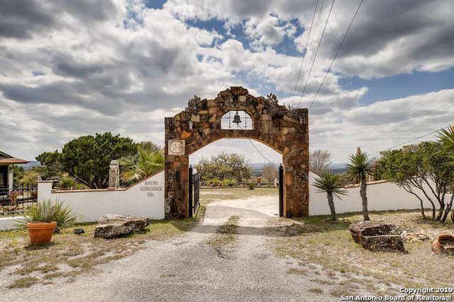 100 Mountain View, Pipe Creek, TX 78027 (MLS #1371658) :: The Castillo Group