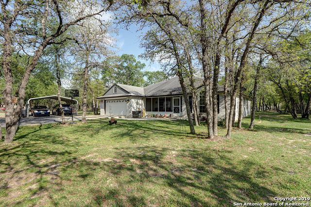 728 Killarney Rd, Floresville, TX 78114 (MLS #1373515) :: Vivid Realty