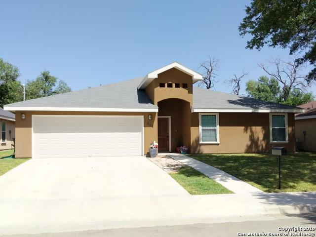 964 Fort Clark Road, Uvalde, TX 78801 (MLS #1376881) :: NewHomePrograms.com LLC