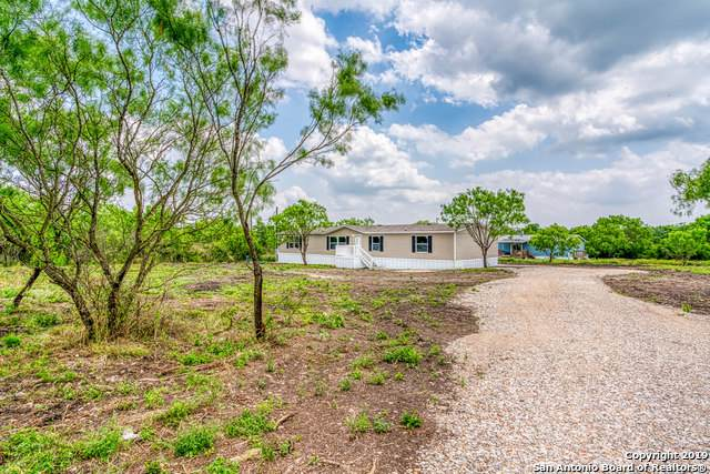 231 County Road 5633, Castroville, TX 78009 (MLS #1378110) :: BHGRE HomeCity