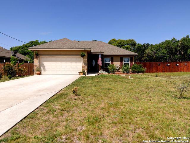 1858 Desiree St, Canyon Lake, TX 78133 (MLS #1378291) :: Erin Caraway Group