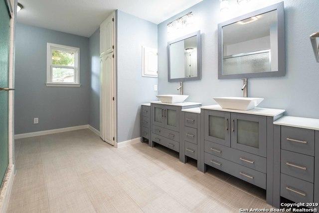 601 Hickory Hwy, Devine, TX 78016 (MLS #1378341) :: Exquisite Properties, LLC