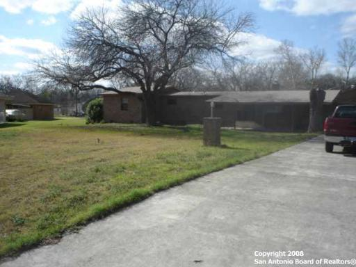 204 NE Pecan Dr Ne, McQueeney, TX 78123 (MLS #1378567) :: BHGRE HomeCity