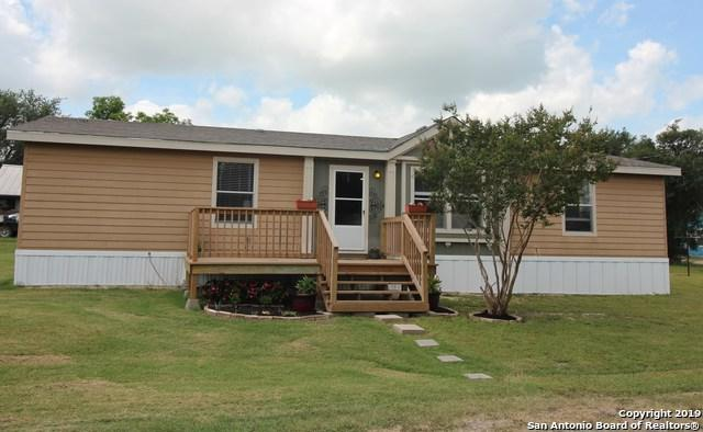200 W Elwood St, Falls City, TX 78113 (MLS #1381513) :: The Mullen Group | RE/MAX Access