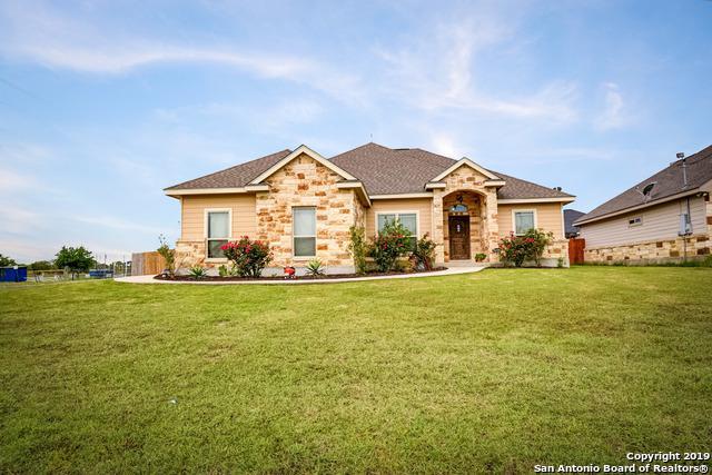 101 Park Way, Poth, TX 78147 (MLS #1382590) :: BHGRE HomeCity