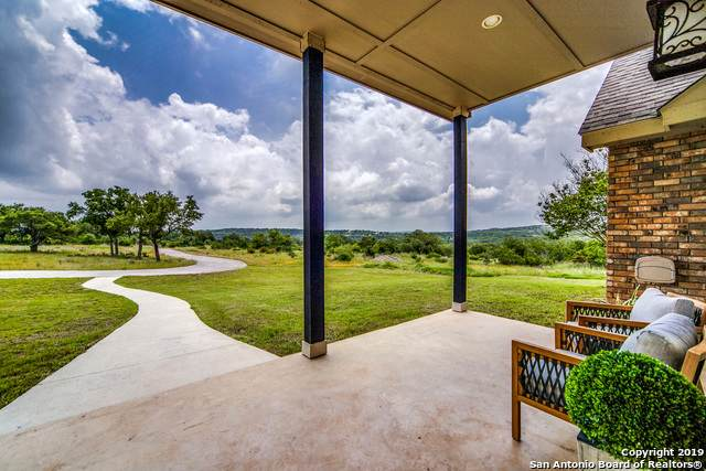195 Coyote Vista, Spring Branch, TX 78070 (MLS #1382747) :: Carolina Garcia Real Estate Group