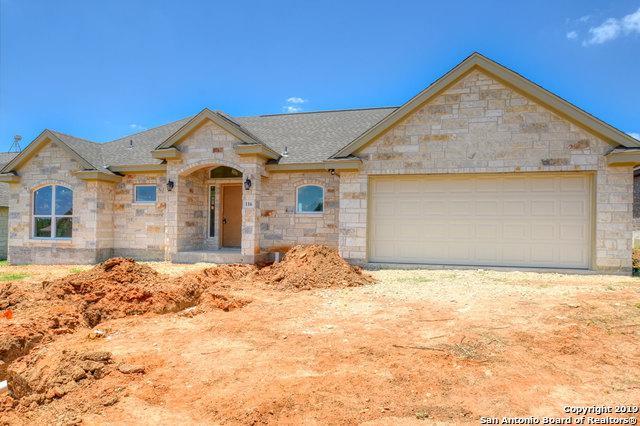 116 Ridgecrest, Floresville, TX 78114 (MLS #1384060) :: Erin Caraway Group