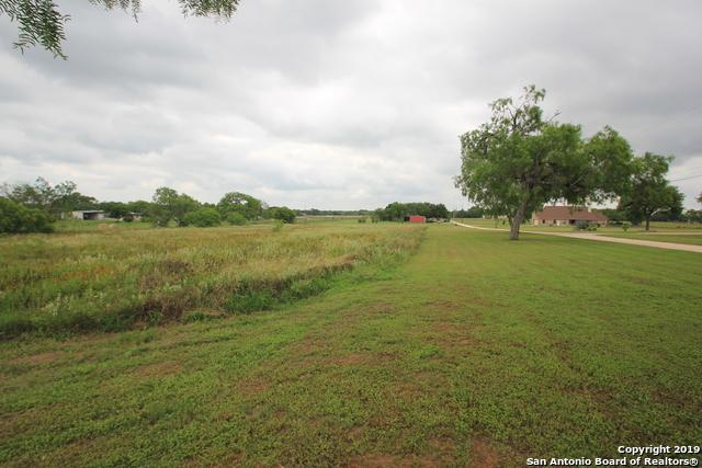 5049 Pittman Rd, Adkins, TX 78101 (MLS #1384120) :: Alexis Weigand Real Estate Group
