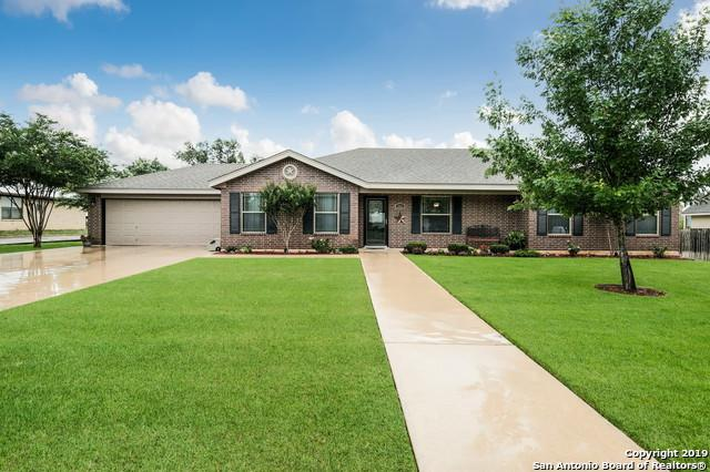 344 Edgehill, Pleasanton, TX 78064 (MLS #1384209) :: Glover Homes & Land Group
