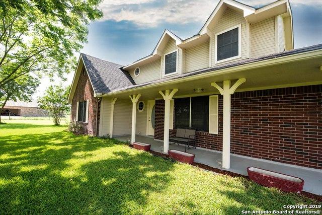 1219 County Road 5710, Devine, TX 78016 (MLS #1384362) :: Exquisite Properties, LLC
