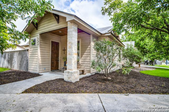 121 North St, Boerne, TX 78006 (MLS #1385245) :: Reyes Signature Properties
