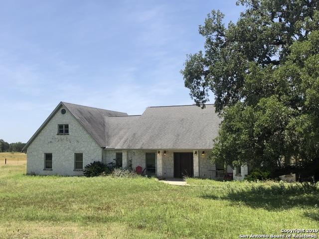 1675 Elm Pass Rd, Bandera, TX 78003 (MLS #1385276) :: Alexis Weigand Real Estate Group