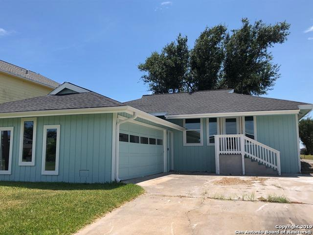 229 Starboard Ave, Rockport, TX 78382 (MLS #1388415) :: Berkshire Hathaway HomeServices Don Johnson, REALTORS®