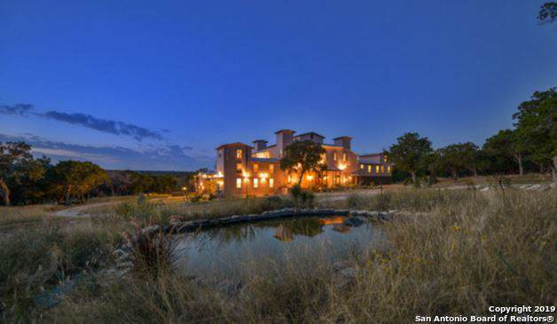 1070 Mustang Crossing Dr, Pipe Creek, TX 78063 (MLS #1388954) :: BHGRE HomeCity