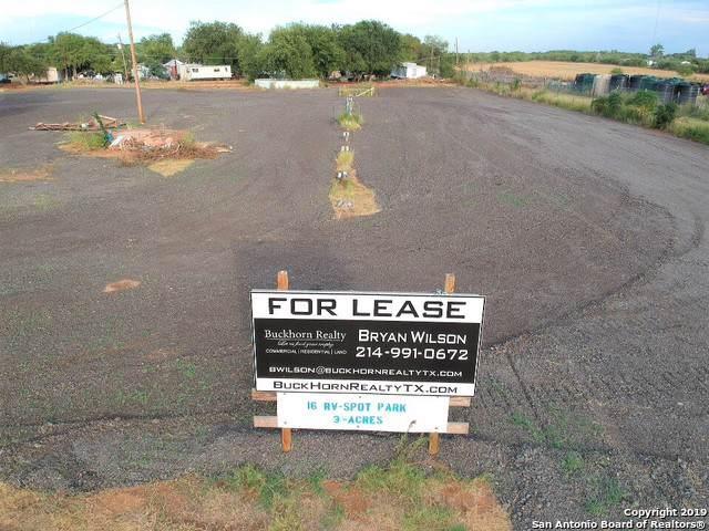 1600 I-35 Bl, Pearsall, TX 78061 (MLS #1389141) :: Tom White Group