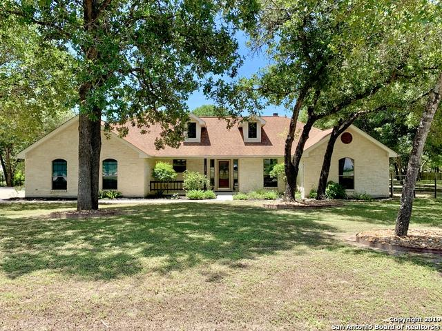 132 Legacy Trail Dr, La Vernia, TX 78121 (MLS #1390267) :: BHGRE HomeCity