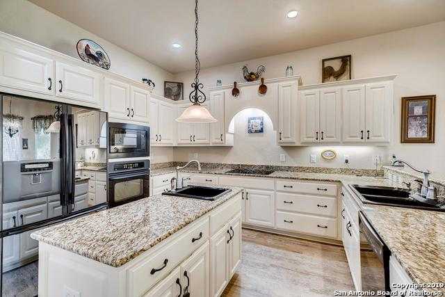 26433 S Glenrose Rd, San Antonio, TX 78260 (MLS #1391522) :: The Castillo Group