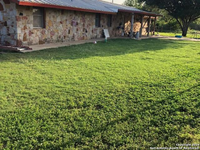 1015 County Road 341, Jourdanton, TX 78026 (MLS #1391608) :: The Mullen Group | RE/MAX Access