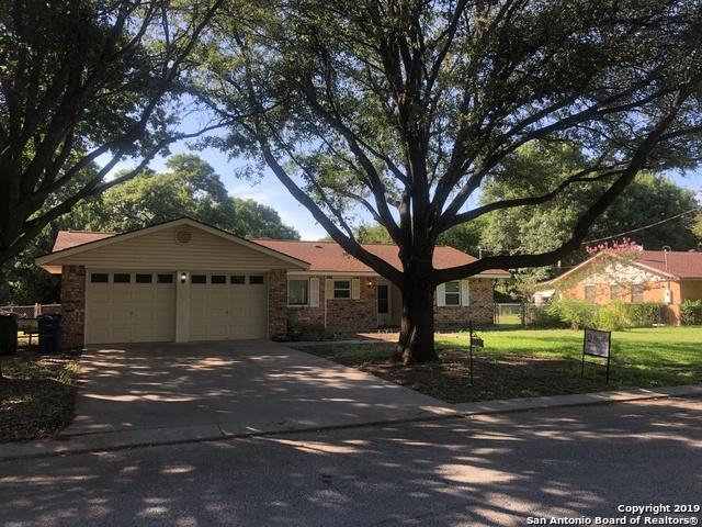 1327 Tulip Ln, New Braunfels, TX 78130 (MLS #1391942) :: Tom White Group