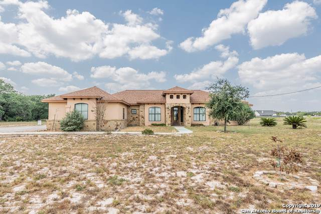 245 Shamrock Dr, Floresville, TX 78114 (MLS #1395560) :: BHGRE HomeCity