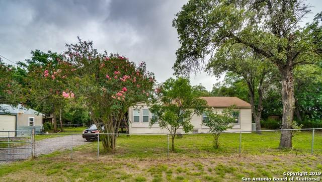 280 Waxwing Dr, Poteet, TX 78065 (MLS #1396159) :: BHGRE HomeCity