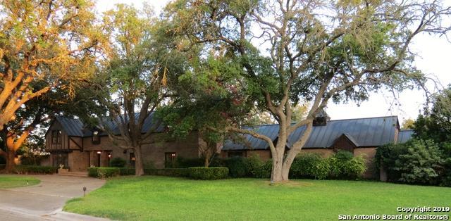 1209 Shady Ln, Hondo, TX 78861 (#1396416) :: The Perry Henderson Group at Berkshire Hathaway Texas Realty
