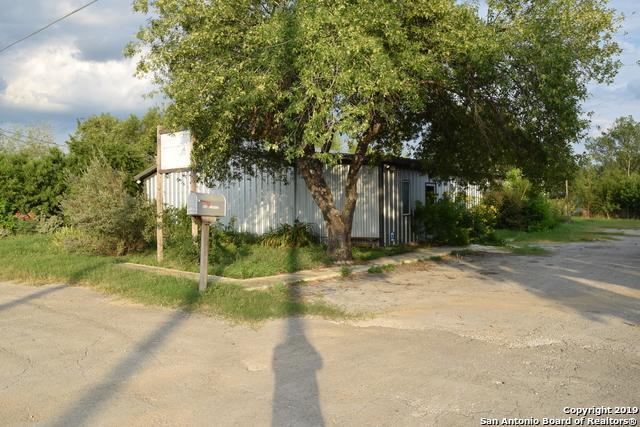608 Mesquite St, Jourdanton, TX 78026 (MLS #1396979) :: BHGRE HomeCity