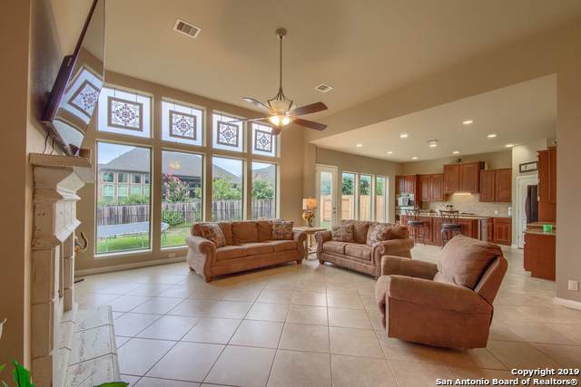 520 Oak Cascade, New Braunfels, TX 78132 (MLS #1396988) :: Santos and Sandberg