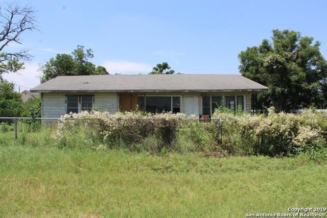 18397 I-35 S, Lytle, TX 78052 (MLS #1397865) :: Tom White Group