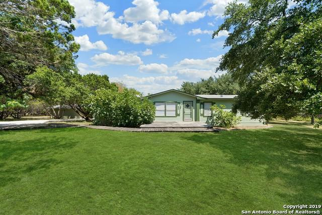 110 Oak Valley Dr, Lakehills, TX 78063 (MLS #1399086) :: Alexis Weigand Real Estate Group