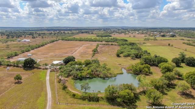 3211 Fm 1346, La Vernia, TX 78121 (MLS #1399781) :: BHGRE HomeCity