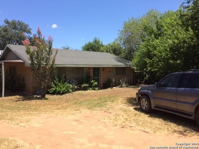 660 County Road 1515, Moore, TX 78057 (MLS #1400079) :: BHGRE HomeCity