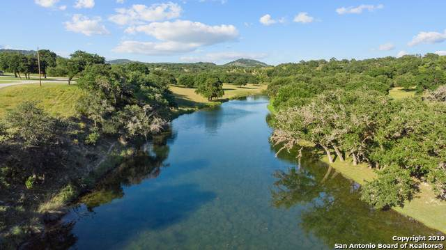 9261 State Highway 46, Pipe Creek, TX 78063 (MLS #1400308) :: BHGRE HomeCity San Antonio