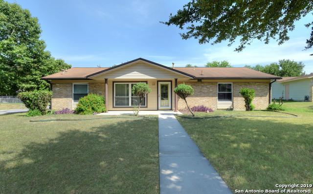 211 Cherrywood Ln, Live Oak, TX 78233 (MLS #1400365) :: BHGRE HomeCity