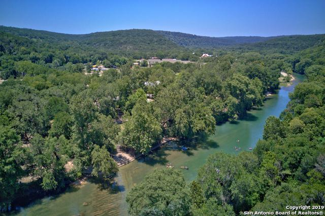 241 Mt Breeze Camp, New Braunfels, TX 78132 (#1401130) :: The Perry Henderson Group at Berkshire Hathaway Texas Realty