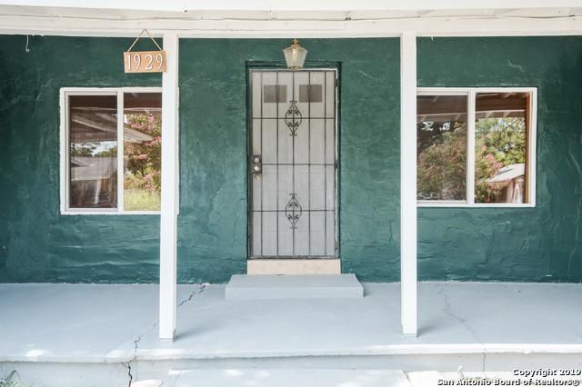 1929 W Poplar St, San Antonio, TX 78207 (MLS #1402108) :: BHGRE HomeCity