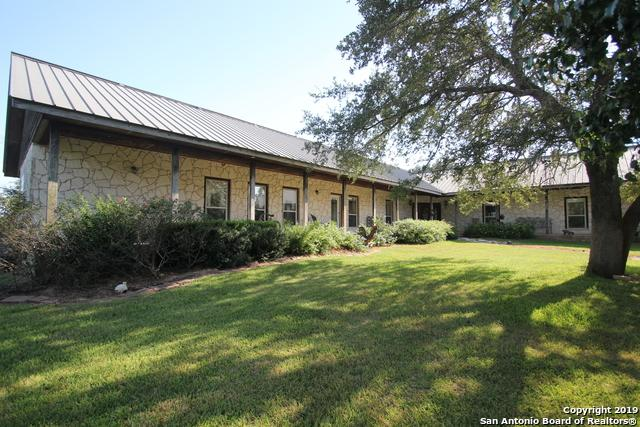 724 County Road 310, Floresville, TX 78114 (MLS #1402526) :: Santos and Sandberg