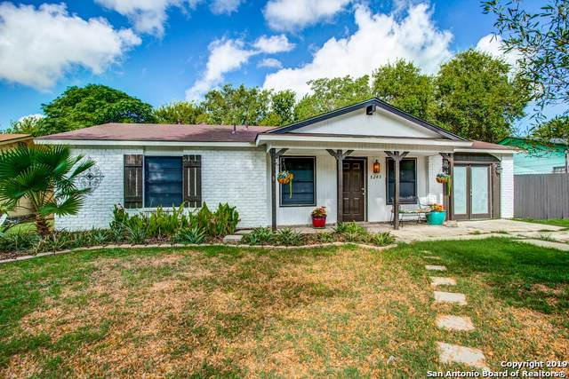 8243 Glen Lark, San Antonio, TX 78239 (MLS #1407059) :: BHGRE HomeCity