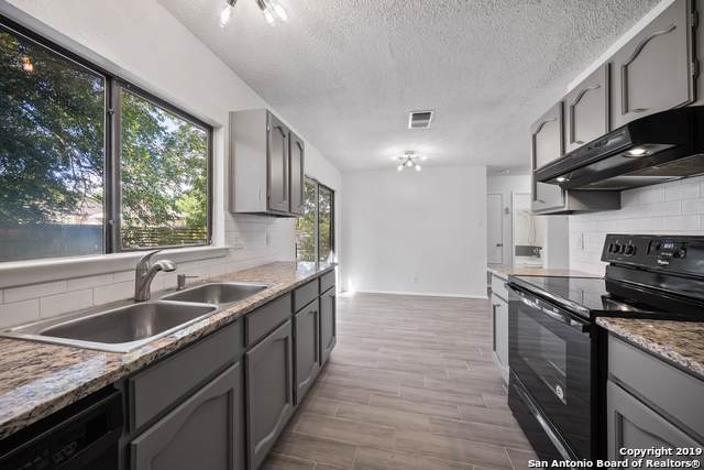 914 Hayloft Ln, San Antonio, TX 78245 (MLS #1407486) :: BHGRE HomeCity